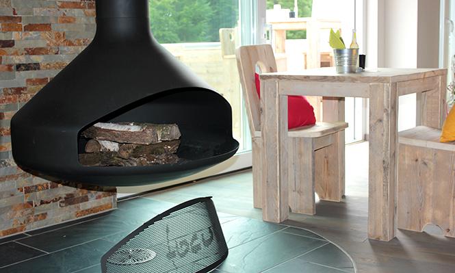 ambiente. Black Bedroom Furniture Sets. Home Design Ideas